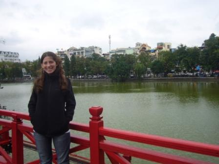 Lali in Hoan Kiem Lake bridge. A really traditional place in Hanói
