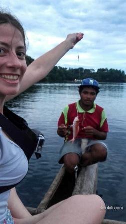 Lali pescando en Tufi, PNG, Oceanía
