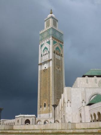Minarete de mezquita Hassan II