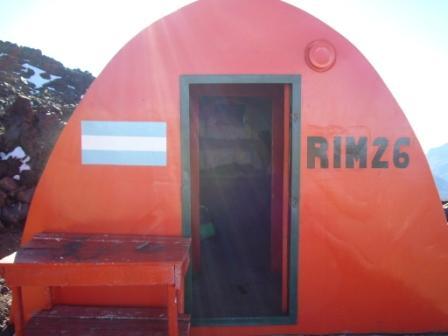 Entrada al refugio RIM a 2315 msnm