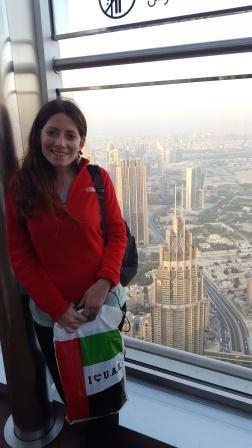 Lali y vista de Dubai desde el observatorio del Burj Khalifa