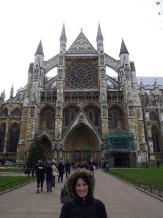 Lali en la fachada norte de la Abadía de Westminster.