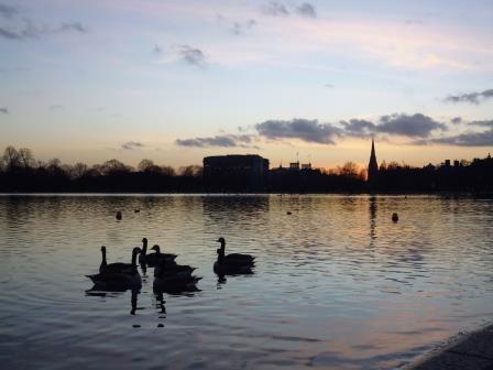 Atardecer en el Lago Serpentine en Hyde Park