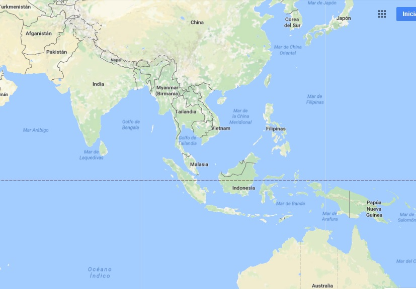 Malasia está dividida en dos regiones por el mar de la China Meridional. La de Malasia Peninsular se encuentra en la península malaya y limita al norte con Tailandia y al sur con Singapur. La de Malasia Oriental, por su parte, está situada en la zona septentrional de Borneo y limita al sur con Indonesia y al norte con Brunéi.