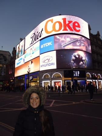 Lali en Piccadilly Circus