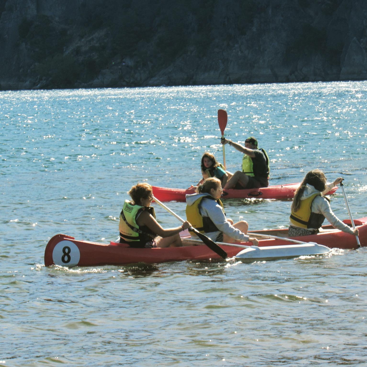 Kayaking y Canoing en el lago Lácar