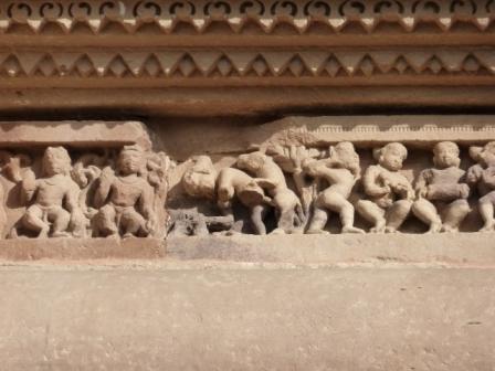 Esculturas de los templos de Khajuraho, India. www.lololali.com